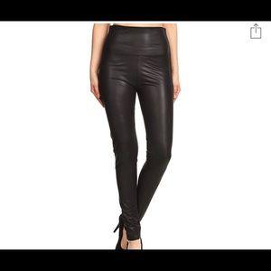 Pants - Leather Leggings (faux)